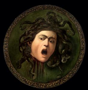 """Zwieńczeniem wystawy jest obraz Caravaggio """"Medusa"""", który jest prawdopodobnie pierwszą z dwóch istniejących wersji. Wystawa w Starej Pinakotece skupia się przede wszystkim na różnicach między poszczególnymi malarzami."""