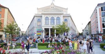 W dniu otwarcia nowego sezonu teatralnego można bezpłatnie zwiedzać gmachy teatru. Wstęp wolny również na program muzyczny w ramach Gärtnerplatz-Open-Air 2019.